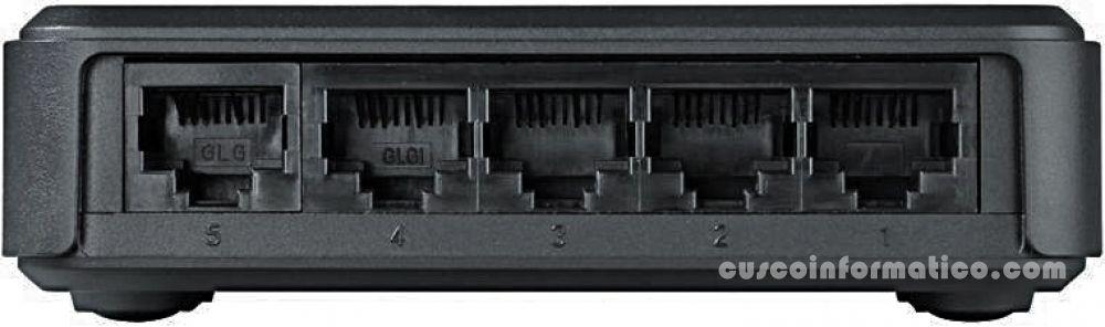 Switch-D-Link-DES-1005A